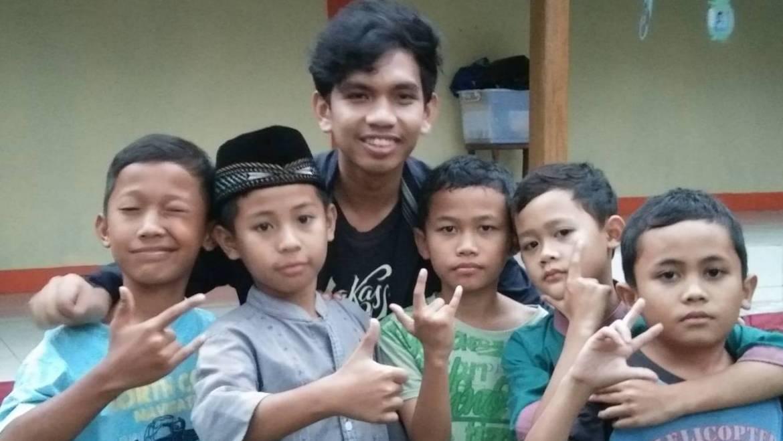 Nuzul (19) aus Indonesien -B1-